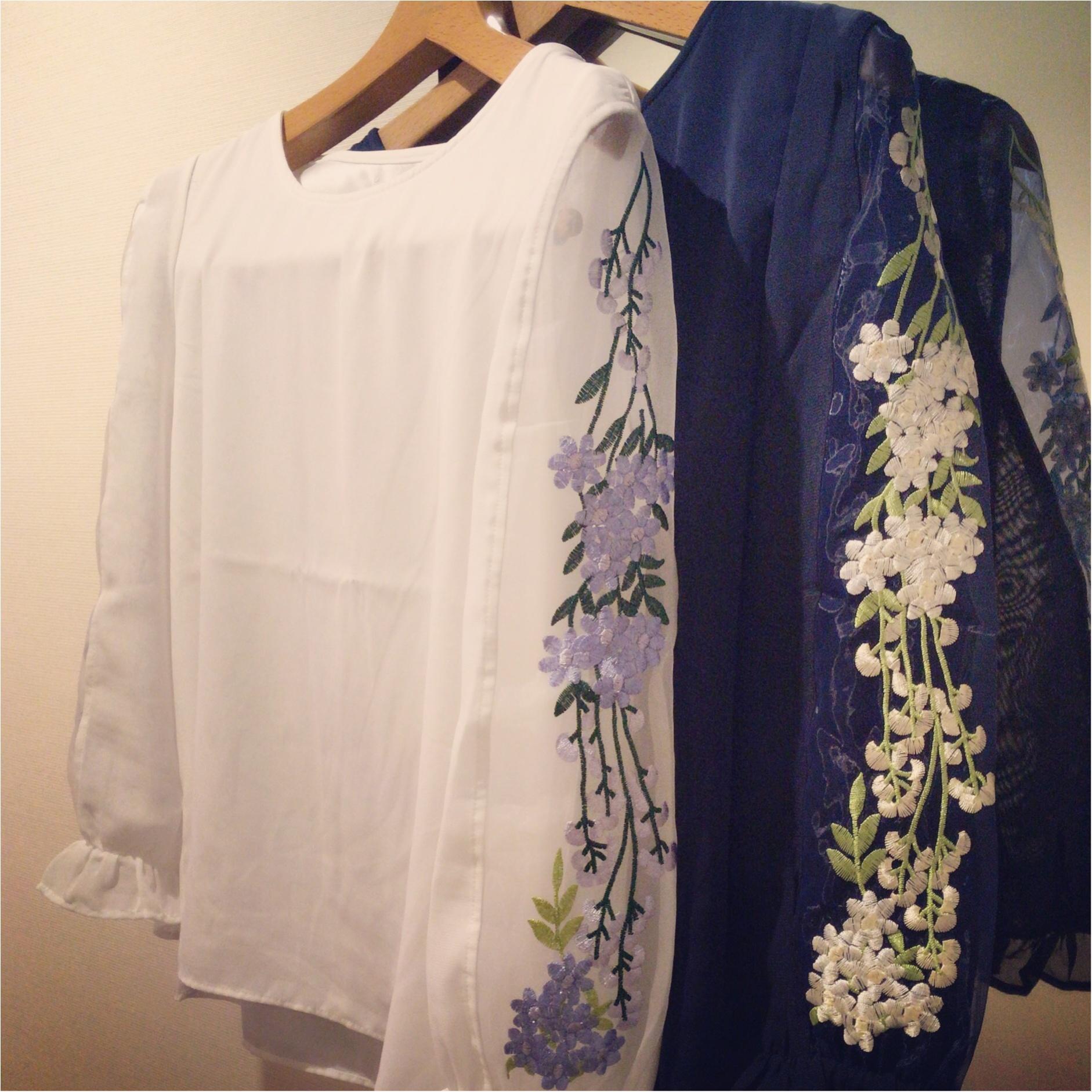 """秋も刺繍がアツイ!!tocco closetの刺繍ブラウスが""""いいオンナ""""かわいい♡_1"""