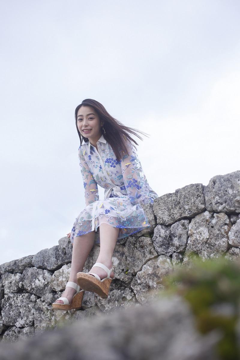 宇垣美里さん初のフォトエッセイ『風をたべる』をチェック♡ 今、最も気になるモア世代女子の全てがここに!【4/16発売】_1