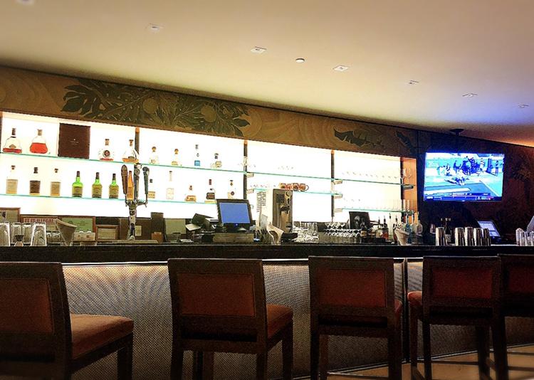 【Hawaii】ハッピーアワーでNYステーキも半額!憧れのラグジュアリーホテルでお得にディナーをいただきました♩_2