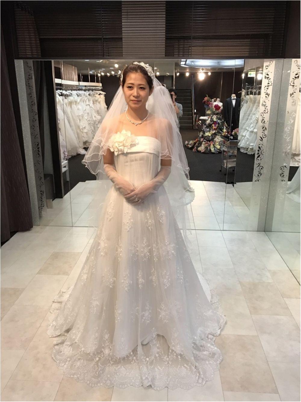 卒花さんに聞く【ドレス特集】-  結婚式・二次会におすすめ! プレ花嫁さんに人気のおしゃれなウェディングドレスは?_32