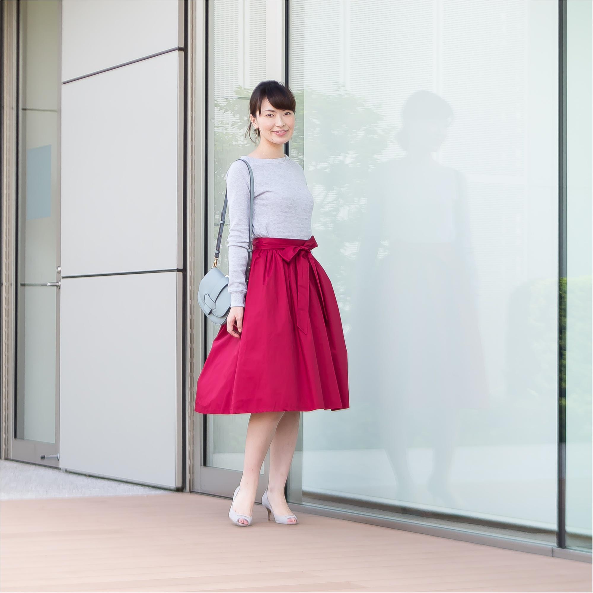 着映え抜群!タックブラウスときれい色スカート、オンとオフの最新コーデ術【GET MORE!通信/モアハピ部がお試し♡】_4