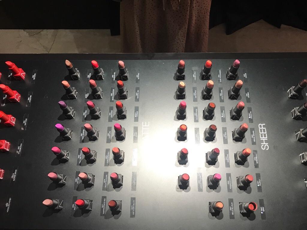 【NARS】豪華!リップ12色入りサンプルGET★新作リップ計72色がズラリと勢揃い♡_3