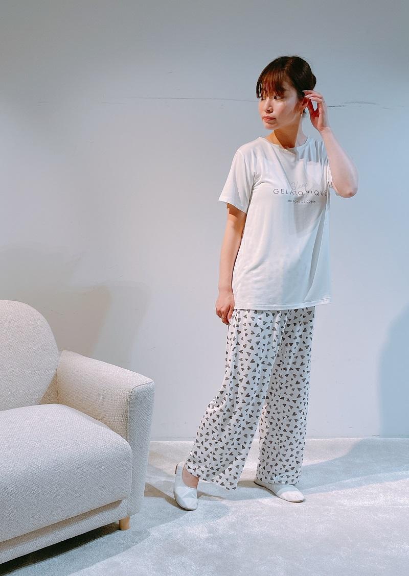 ジェラートピケ、Tシャツに柄パンツのおうちコーデ