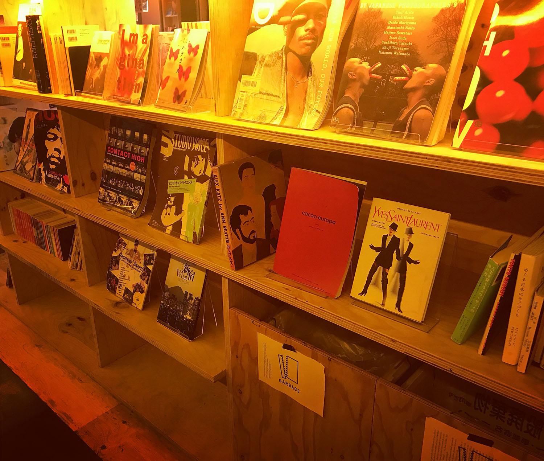 「BOOK AND BED TOKYO SHINJUKU」の店内04