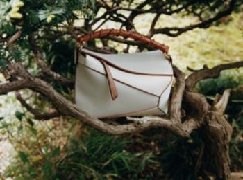 『ロエベ』の人気バッグ「パズル」シリーズの新作&新色が大好評発売中!PhotoGallery