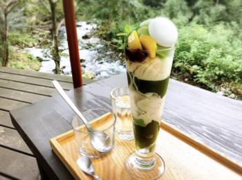 【#伊豆】渓流を眺めながら川床テラス席でリラックス♩静岡県産の抹茶が魅力!自然に癒されのんびりティータイムを☕︎