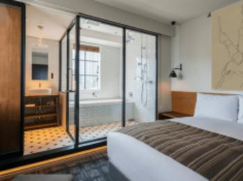 バスルームがおしゃれな東京エリアのホテル4選! ビューバスや大理石など映え