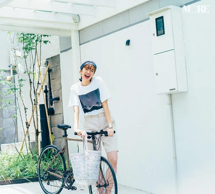 【白Tシャツコーデ】白フォトT×バミューダパンツ
