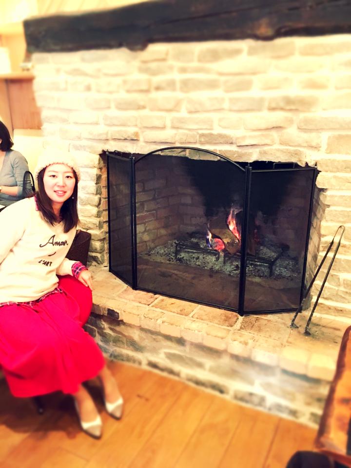 赤を着てでかけよう❤️暖炉のあるカフェであったかランチ。_15
