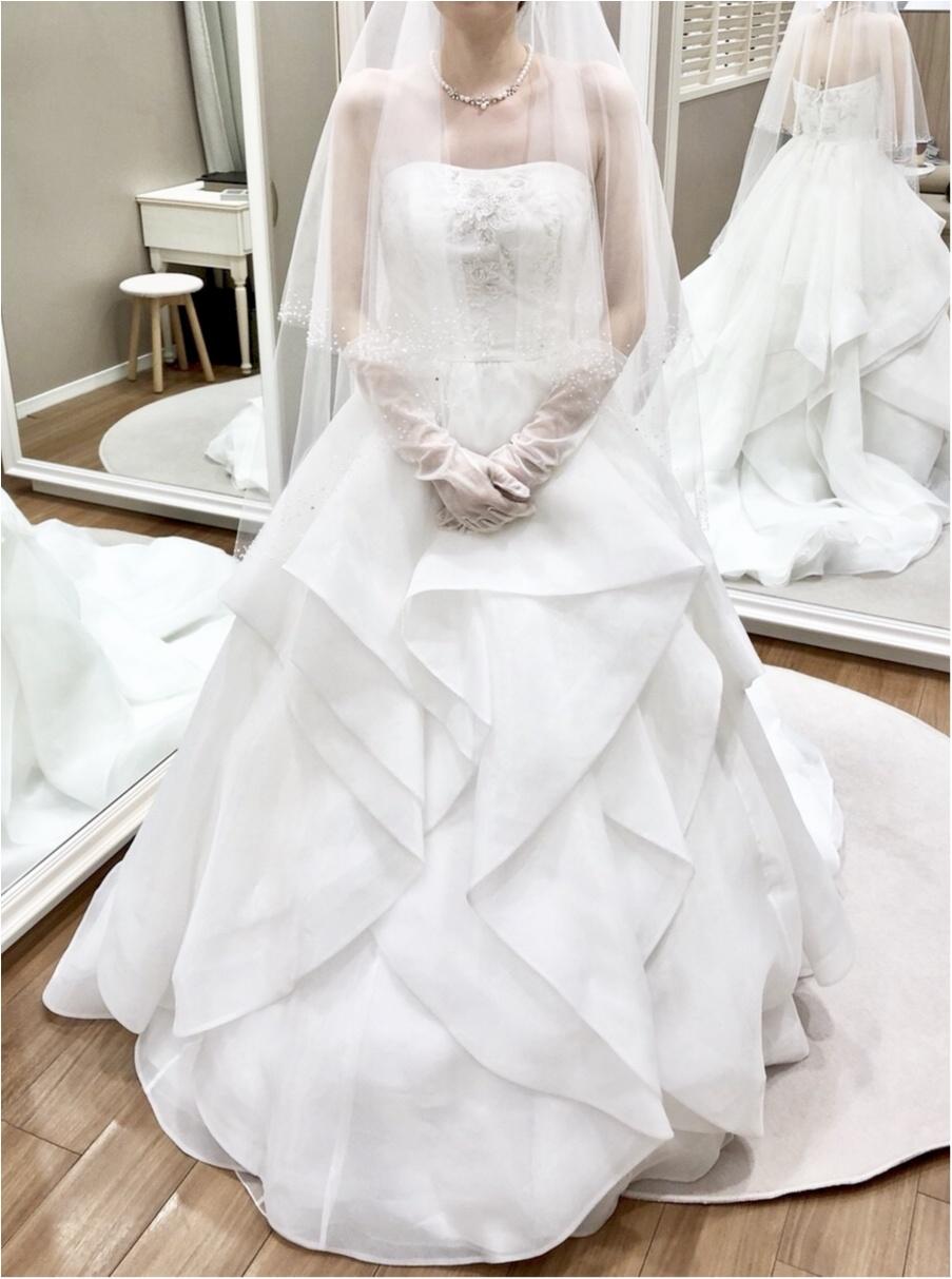 卒花さんに聞く【ドレス特集】-  結婚式・二次会におすすめ! プレ花嫁さんに人気のおしゃれなウェディングドレスは?_38