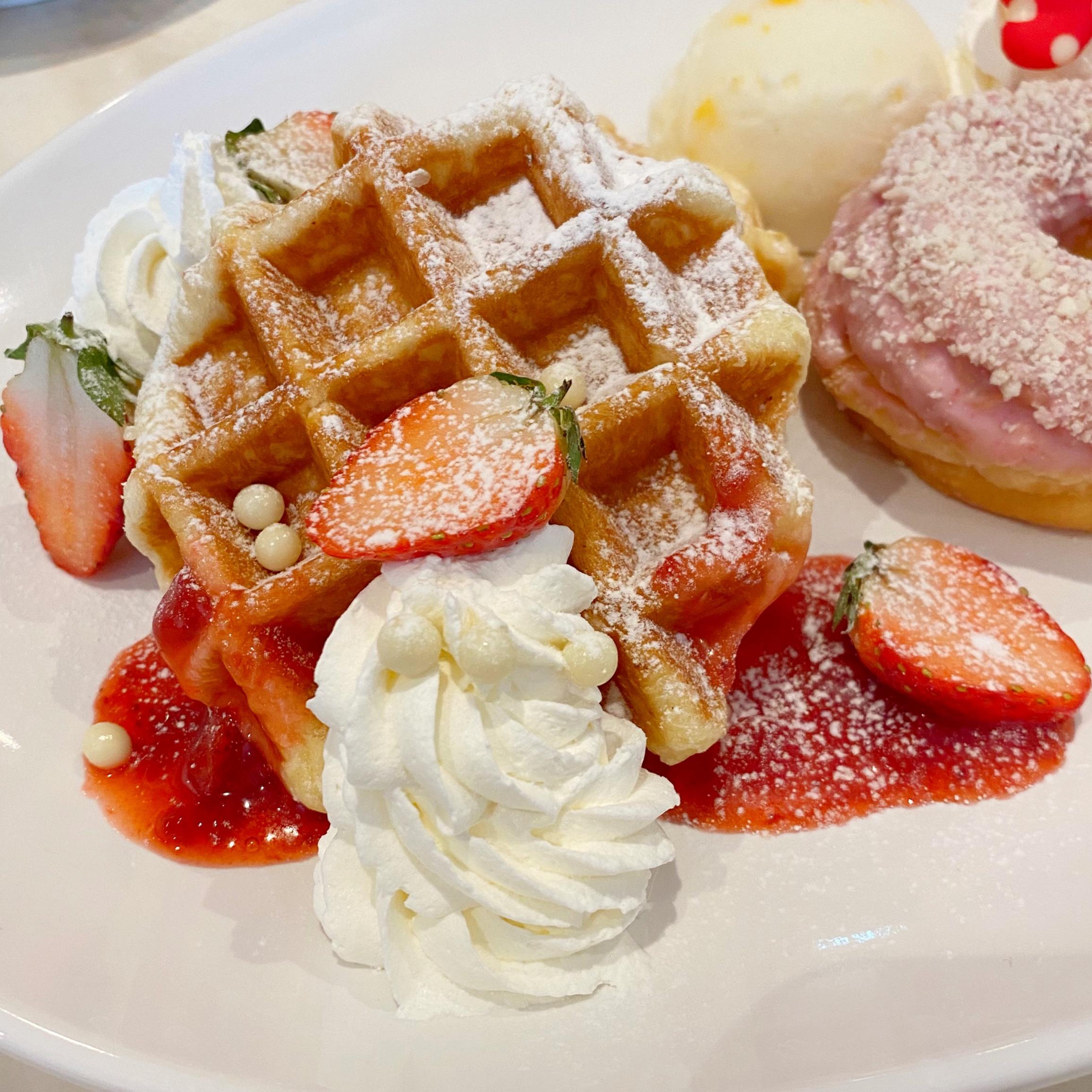 ディズニーランドに行ったら必ず食べたい!可愛すぎる限定スイーツ❤︎_3
