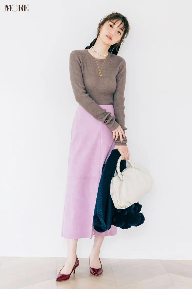 【2020-2021冬コーデ】シンプルニット×スカート×ネックレスの重ねづけで品よく