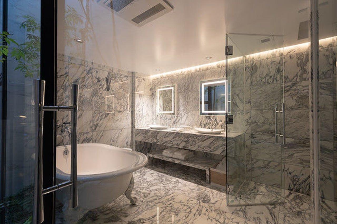 【東京のおしゃれなホテル】『hotel azabu ten』部屋「Hakuro」のバスルーム