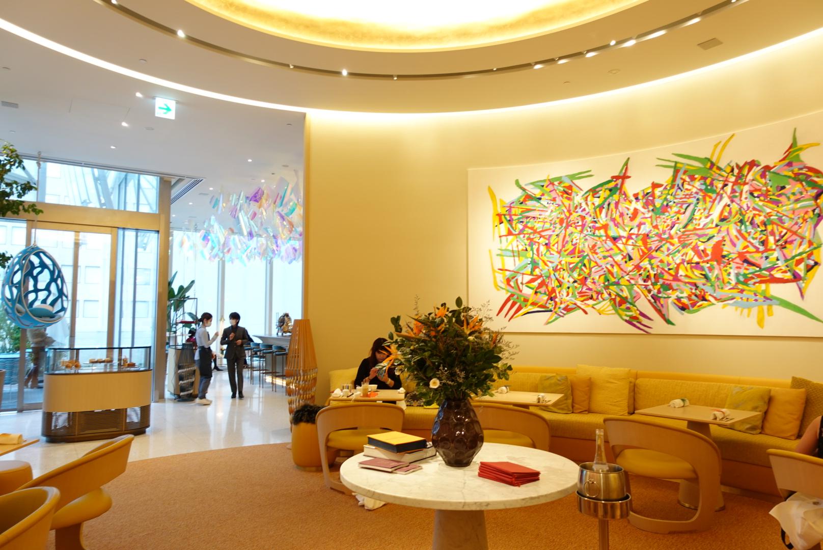 【大阪】世界初!ルイヴィトンのカフェ!?「LE CAFE V」に行ってみたら一番人気のミルフィーユが大きすぎる!?ブルジョアな気分になるカフェに潜入!!!_1