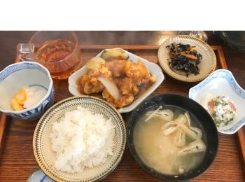 都立大学駅のおしゃれカフェ『Little chef』の絶品ランチ♪ 韓国コスメ『イニスフリー』のクレイパックも【今週のモアハピ部人気ランキング】