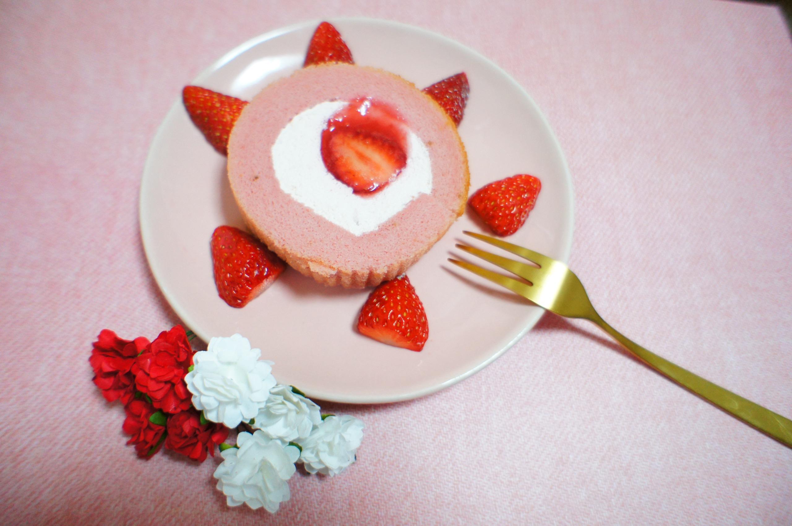 《コンビニスイーツ》でおうちカフェ❤️【LAWSON】いちごづくしロールケーキが絶品!☻_2