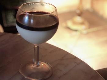 【表参道カフェ】2層のオレグラッセが新鮮♪アンニュイな雰囲気が魅力の「カフェ レ ジュ グルニエ」