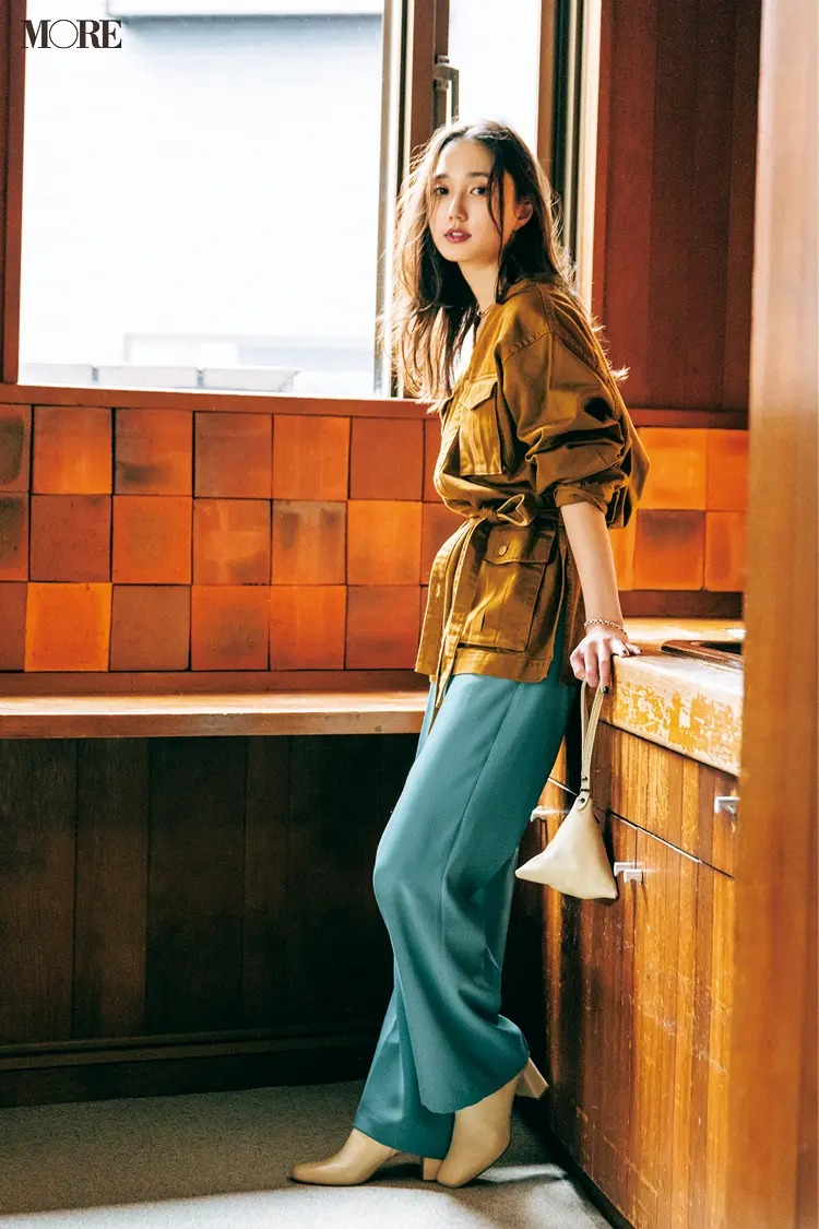 【ジャケットコーデ】きれい色ワイドパンツ×シャツジャケット