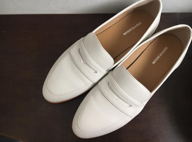 【フラット靴】春靴は爽やかホワイトカラーで!フラットな白ローファーで楽チンおしゃれ♡_2
