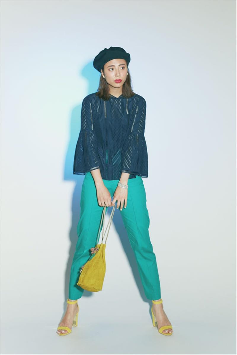 着るだけで華やぐ【真夏のきれい色ボトム】コーデ15選   ファッション_1_15