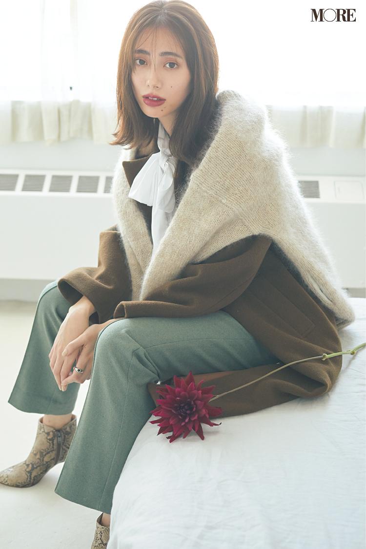 今冬のトレンド「ボウタイブラウス」には、赤茶のリップがベストマッチ♡ 「流行服×最旬メイク」のおしゃれな相性、教えます!_1