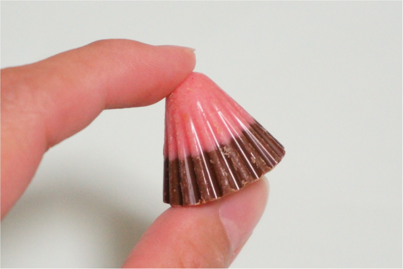 【明治アポロチョコレート】新商品はパチパチはじける大粒アポロ♡_2
