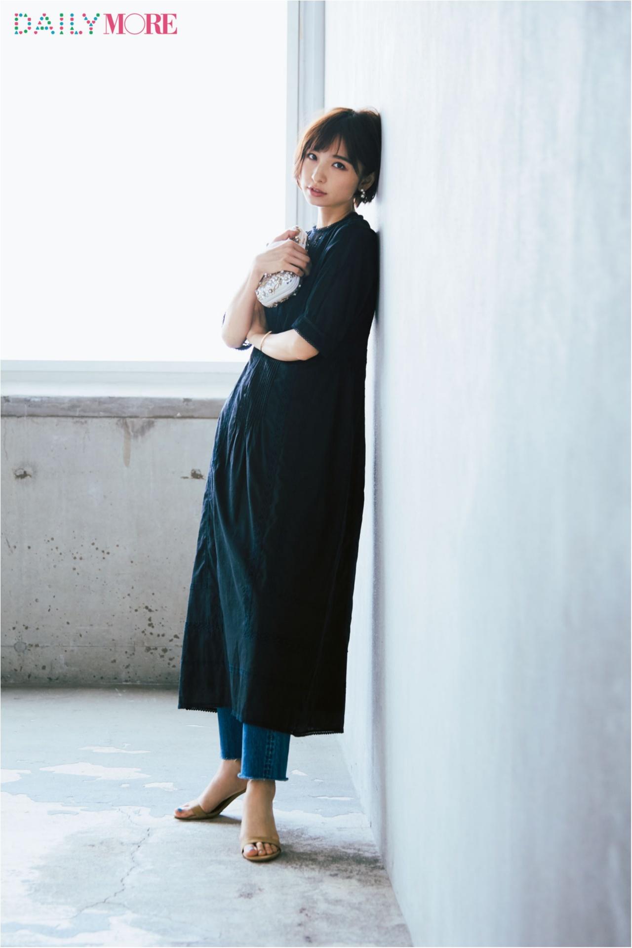 まだ暑いけれどおしゃれは秋にシフト、そんな今、麻里子の答えは「涼しい秋服」×「デニム」でした。_2