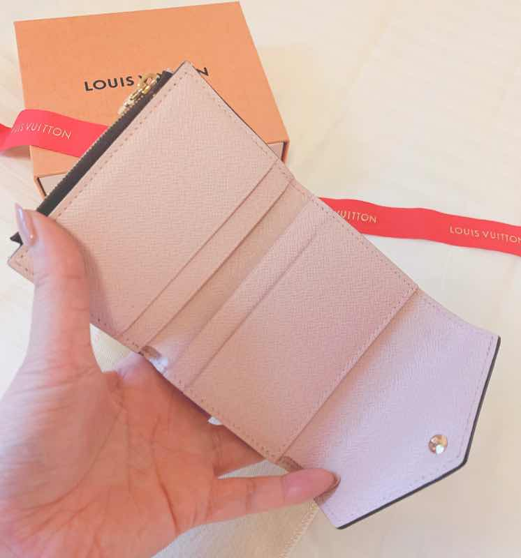 【20代女子の愛用財布】LOUIS VUITTONミニ財布♡_3