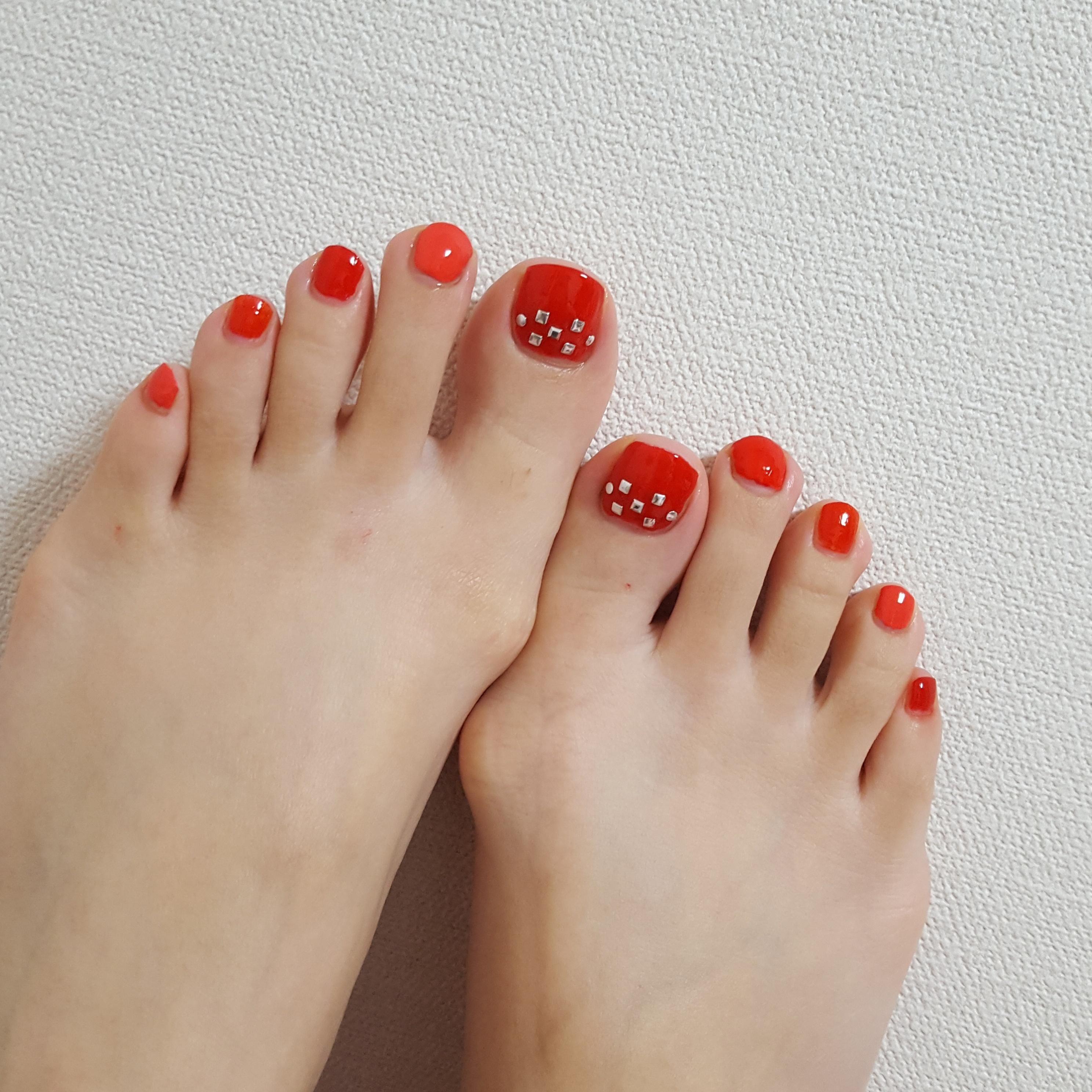 """足元が綺麗に見えるカラーはやっぱり""""RED"""" ~休日ネイル~_1"""