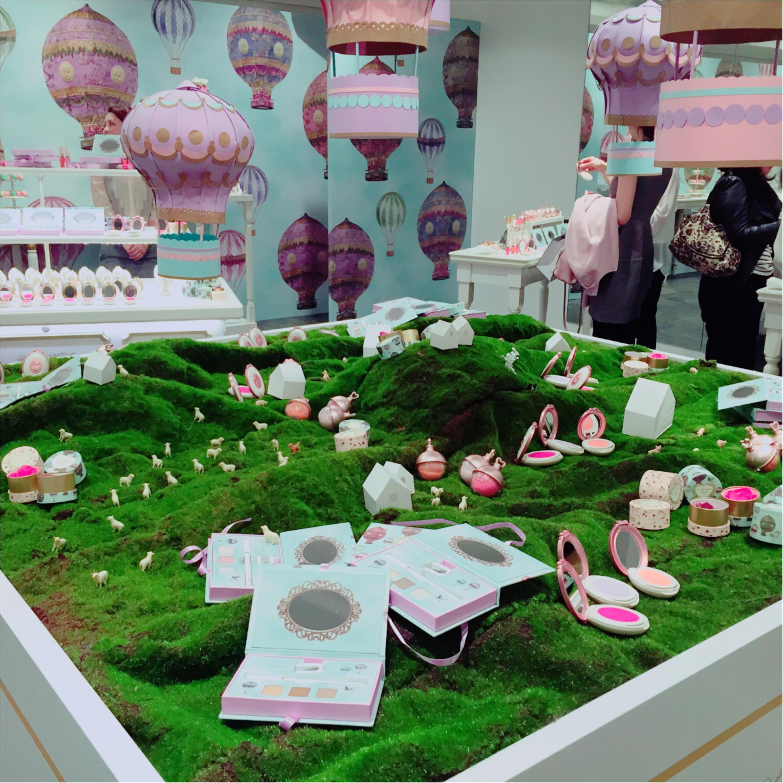 『レ・メルヴェイユーズ ラデュレ』の春コスメで気球の旅へ♡_1