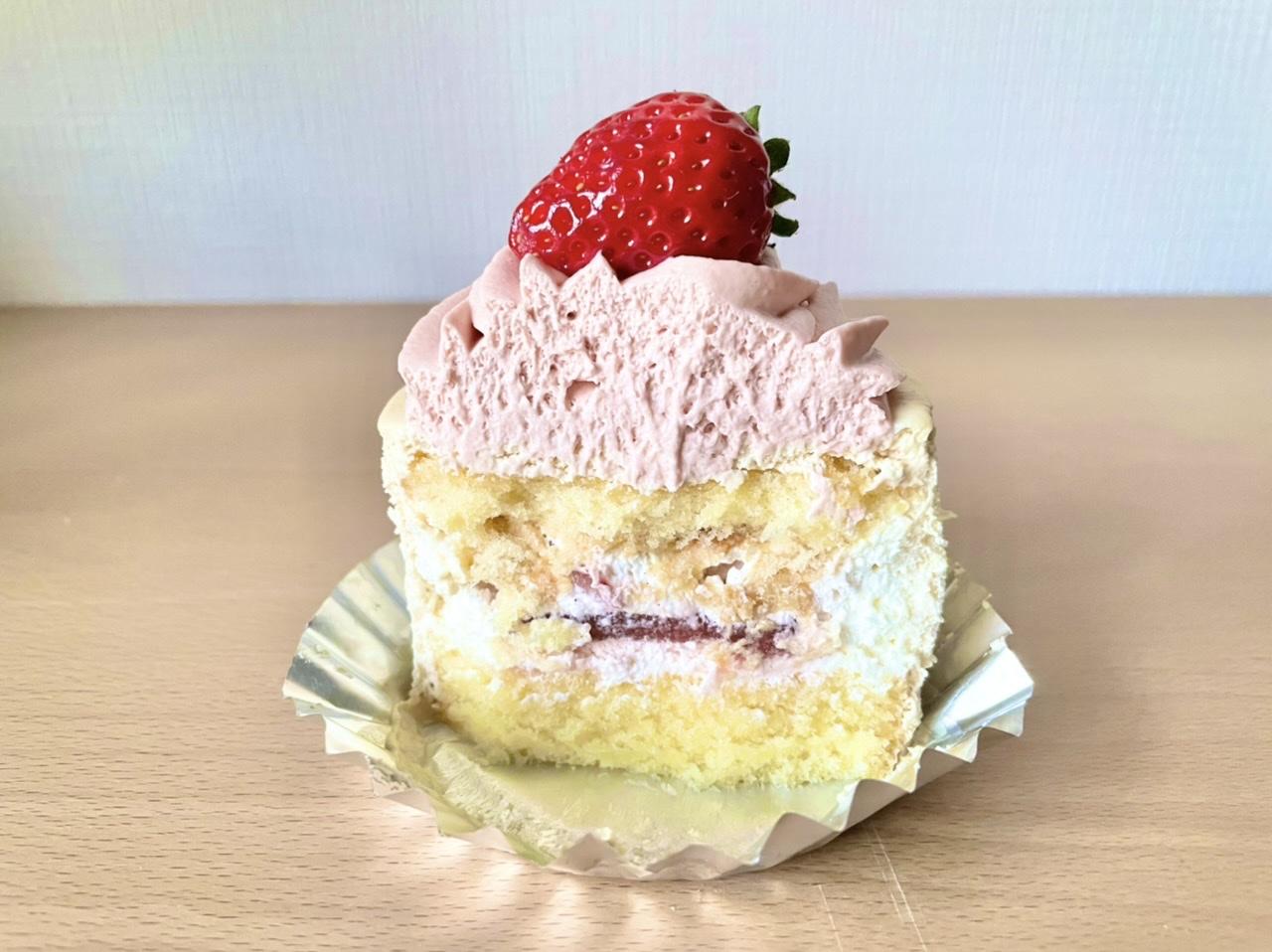 【おすすめいちごスイーツ】《PARIYA》の「STRAWBERRY CARAMEL SHORTCAKE(ストロベリーキャラメルショートケーキ)」_2