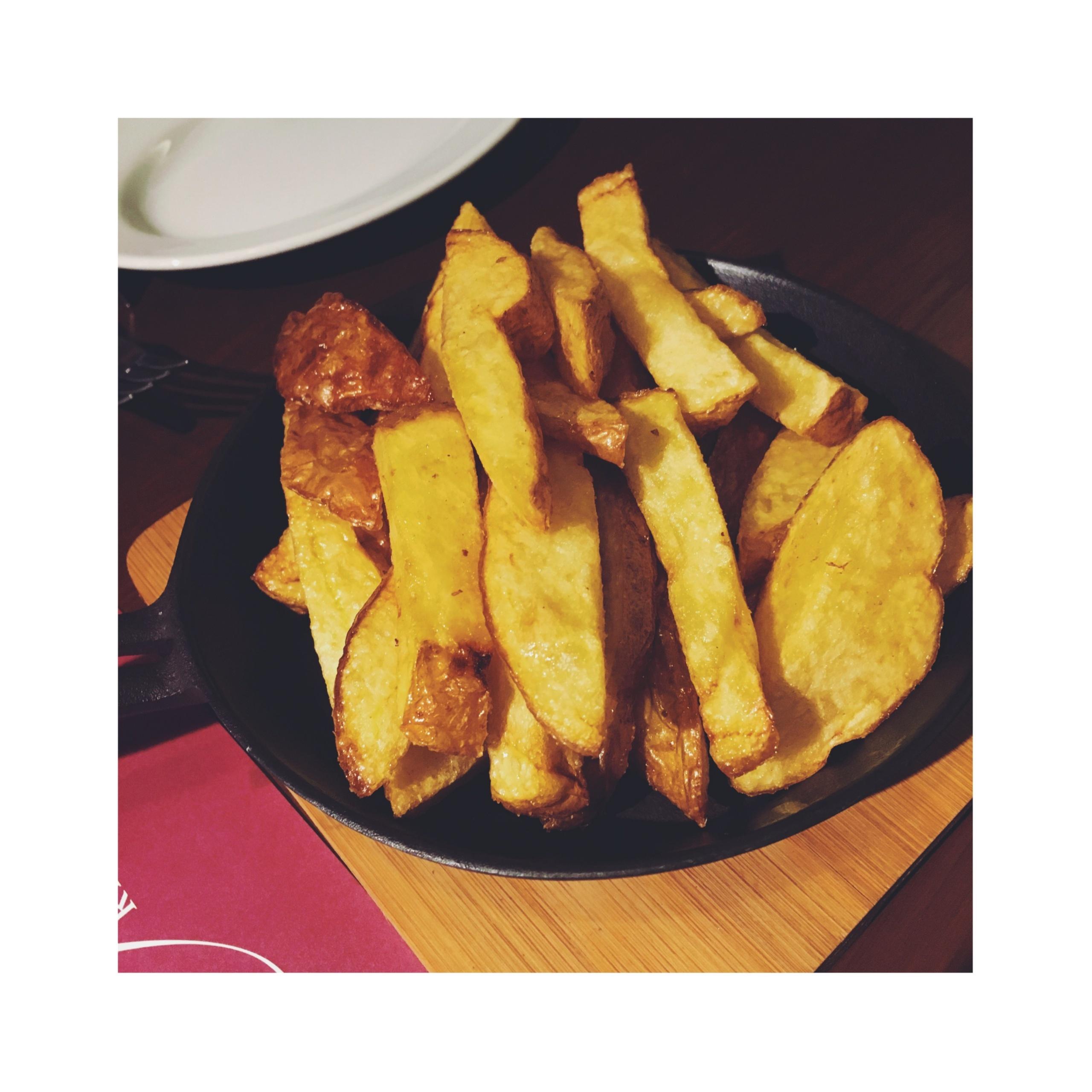 《神楽坂》【グルメ】パリで連日満席の人気店が日本初上陸!フランス人のソウルフードが食べられるお店✨_7