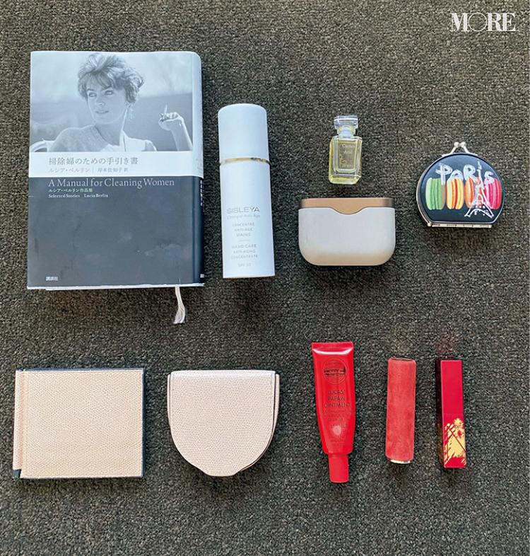 内田理央は『バレンシアガ』を愛用中♡ モアモデルのバッグ&バッグの中身を大公開‼︎ PhotoGallery_1_4