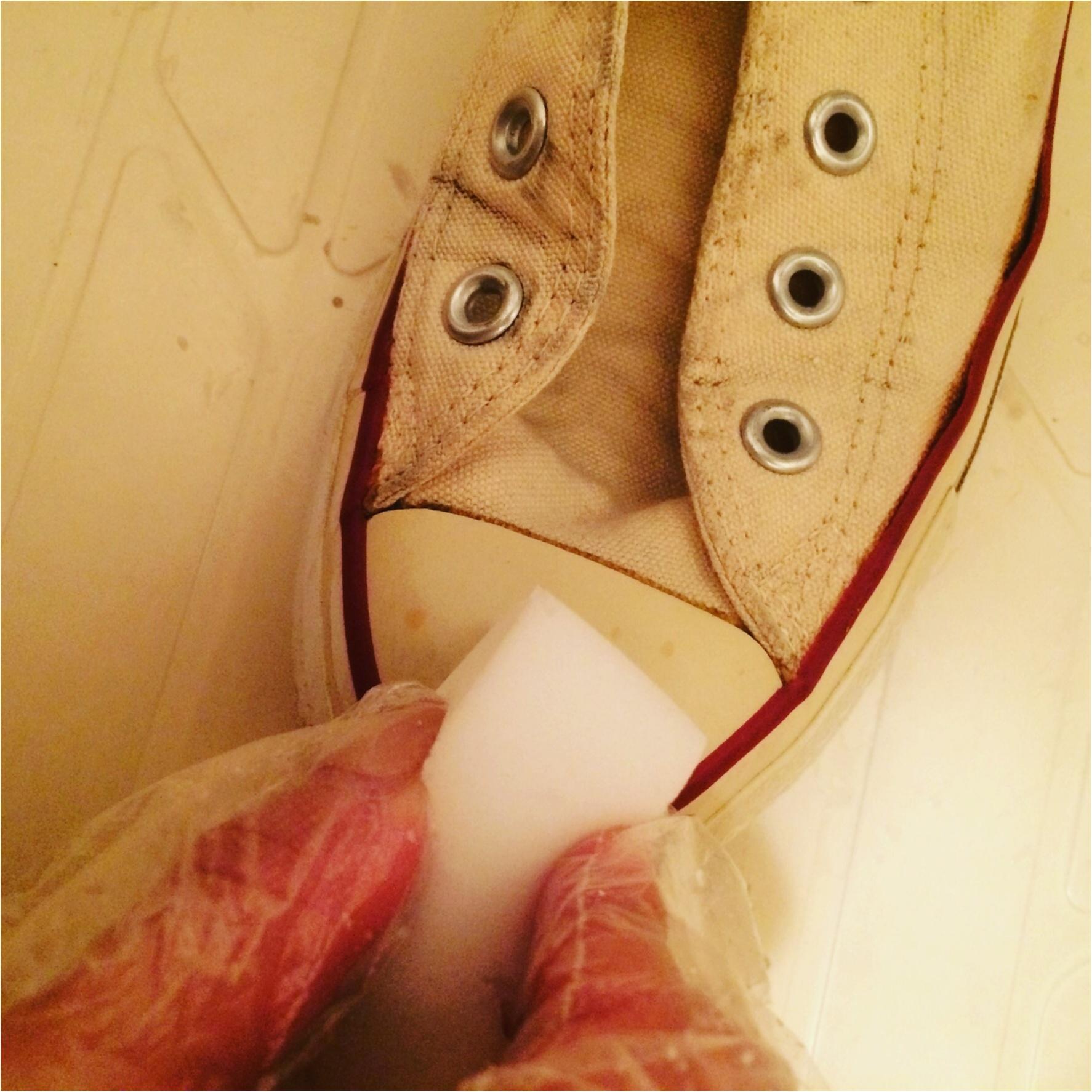 黄ばみや汚れもさようなら!白スニーカーを簡単キレイに復活させる方法とは?!_4