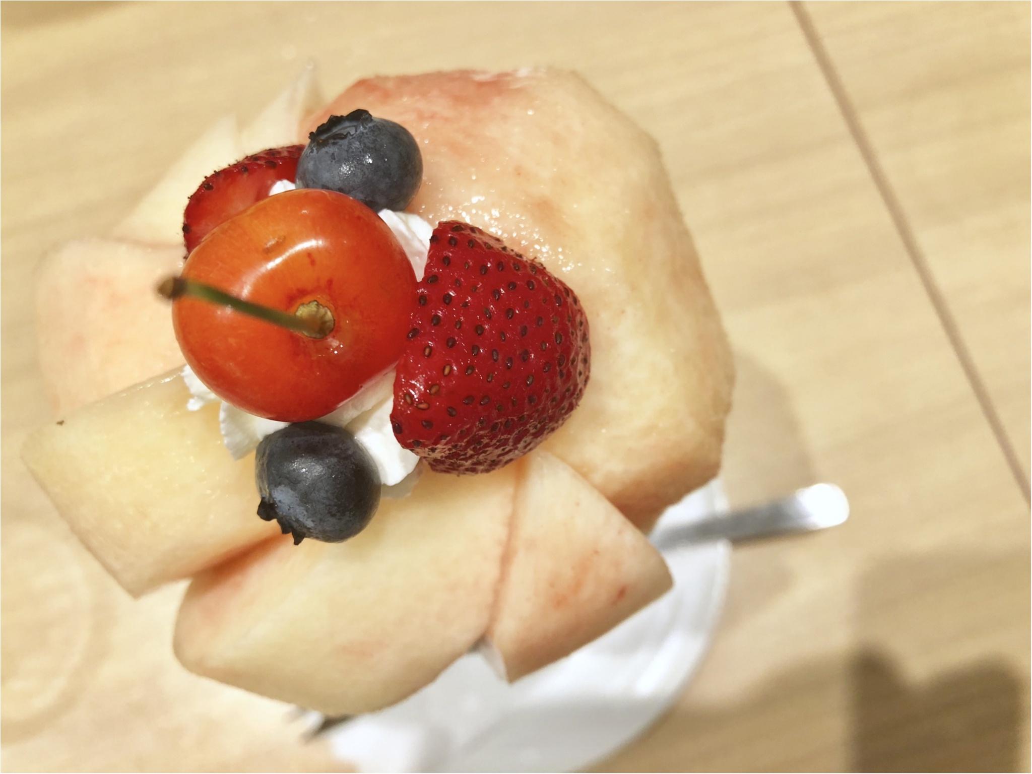 桃丸ごと2個分の幸せ❤️【果実園リーベル】今しか食べられない至福のパフェ!_2