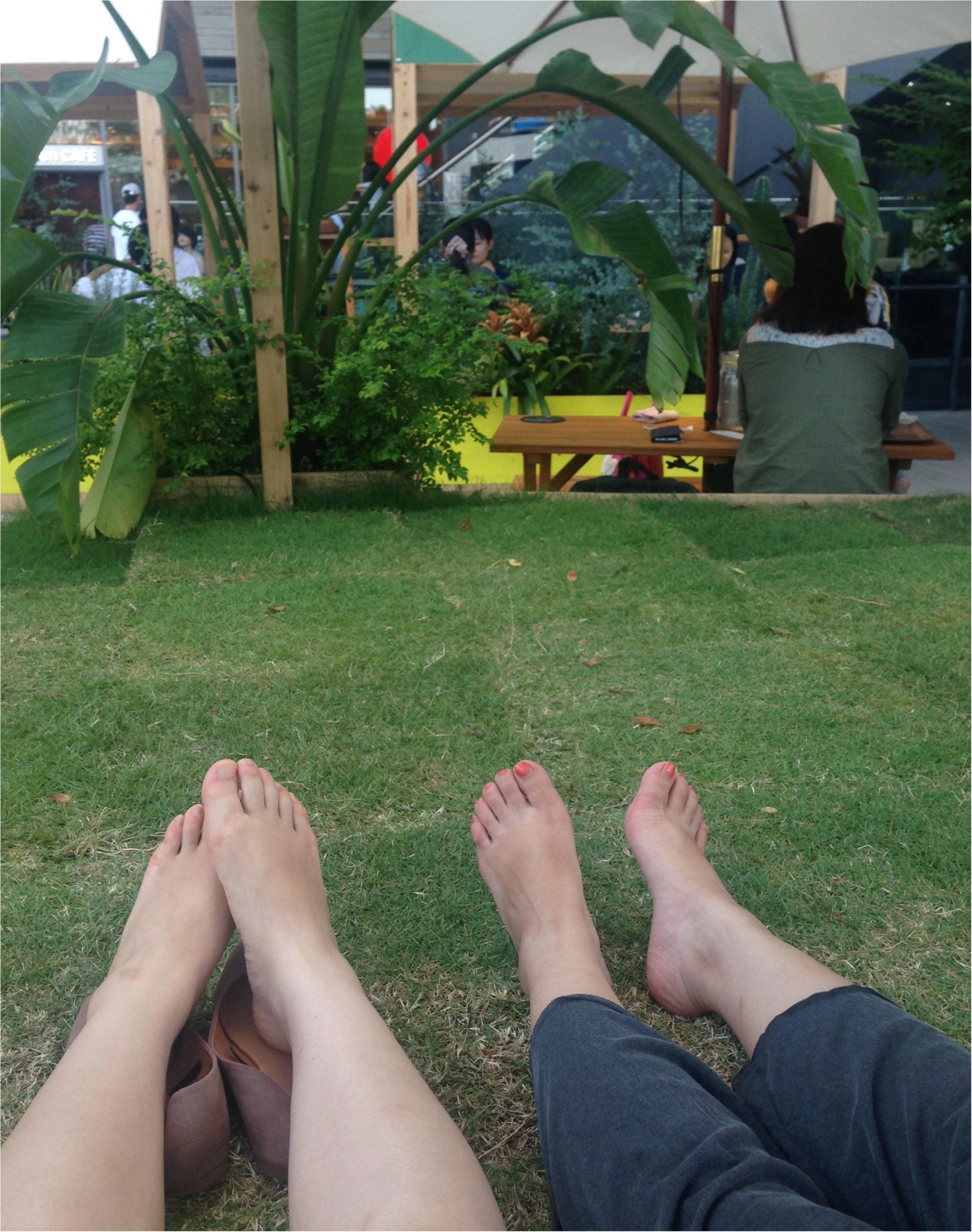 海外のような雰囲気♡芝生でくつろぎながらビールのもー\(^o^)/【二子玉川8月まで!】_9