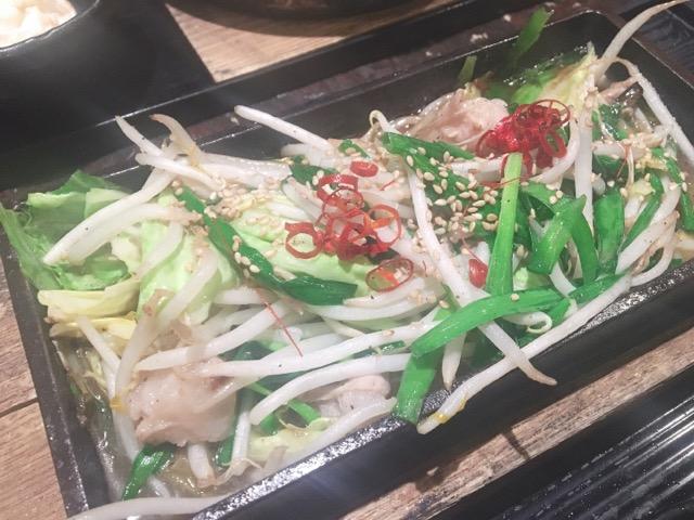 【ぶあいそ本店】でモツ鍋とモツ鉄板焼!!!年末年始の寒波に立ち向かう!!_1