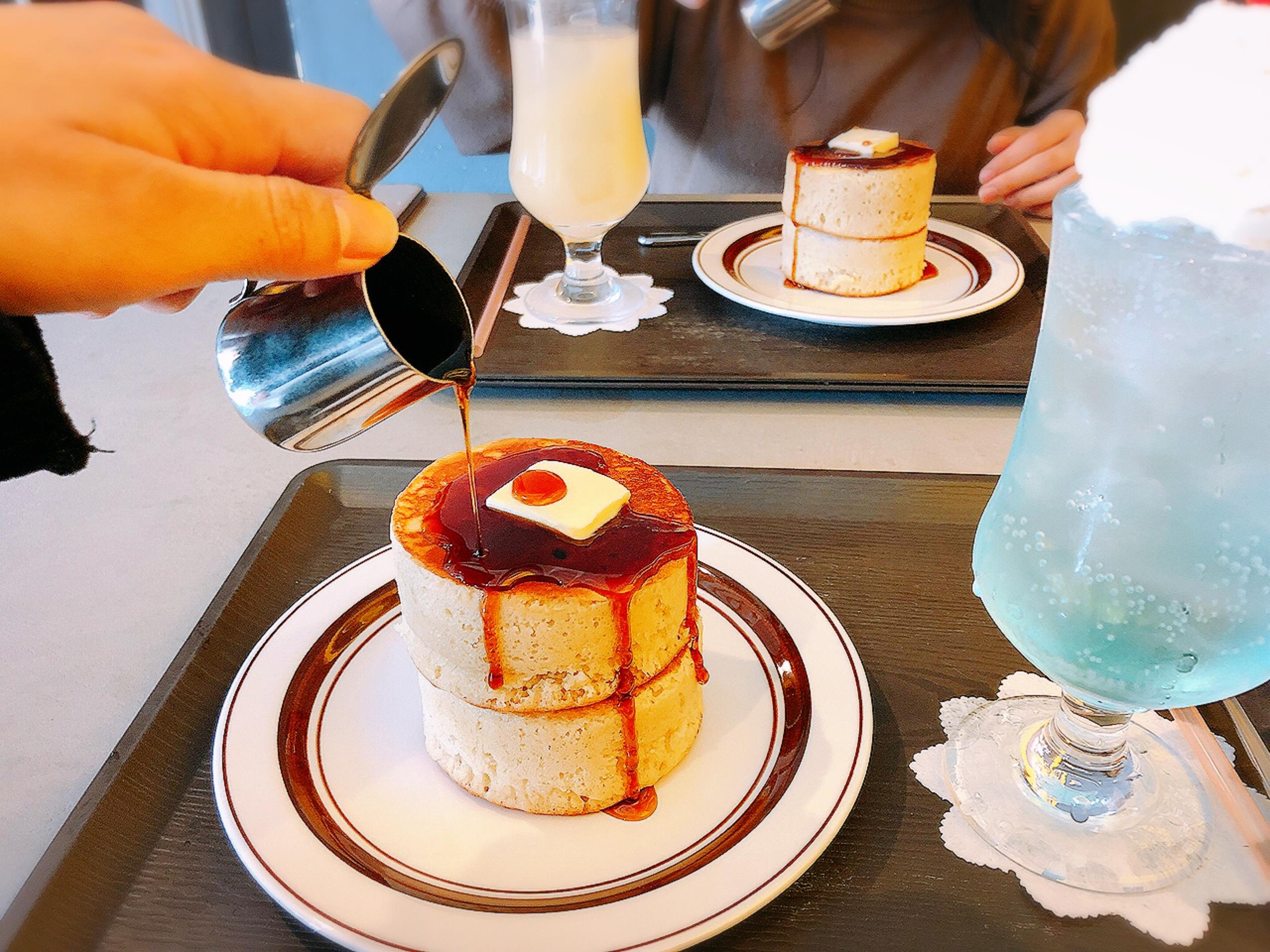 【#静岡】空色クリームソーダとふかふか3Dホットケーキ♡純喫茶風のモダンなカフェ《8COFFEE》_7