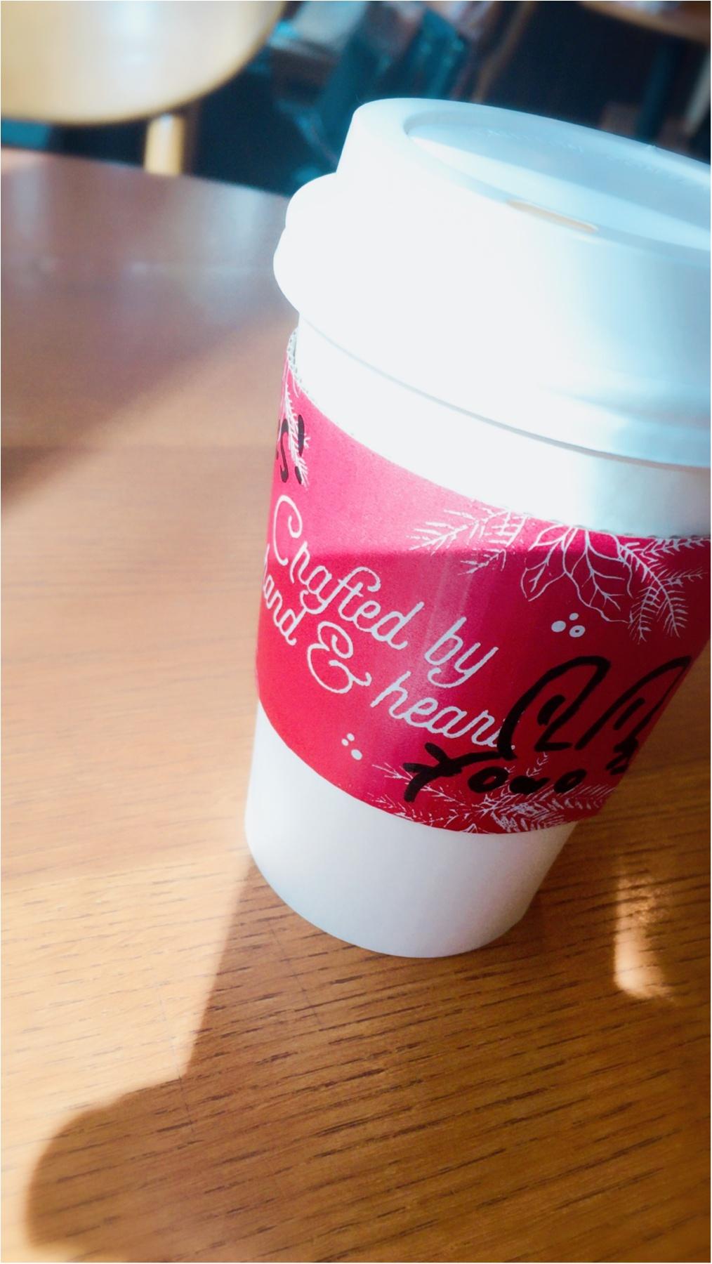 クリスマス気分なスタバ新作ラテ(๑˃̵ᴗ˂̵)♩_1
