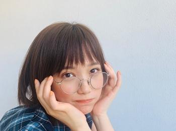 #本田翼メガネ姿のアザーショットは、破壊力のある可愛さ!【MORE SMILEUP CHALLENGE 1】