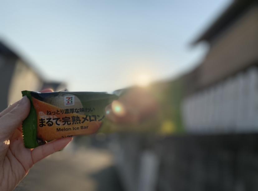 6/8発売【新商品】セブンの「まるで完熟メロン」におもわずツッコミ、まるで完熟メロン!_8