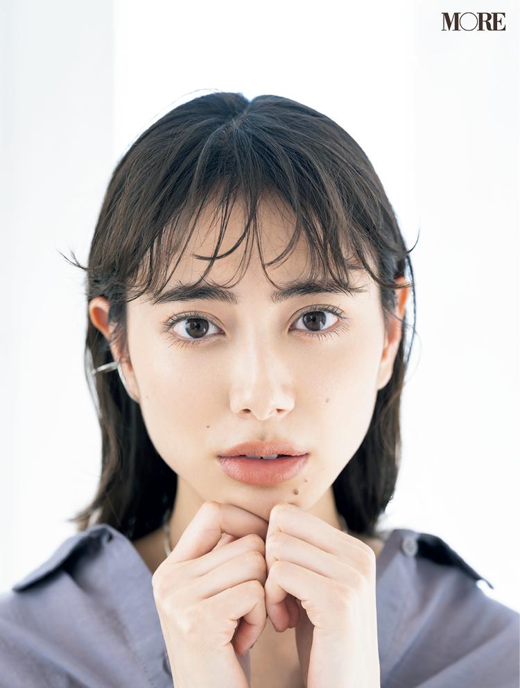 透け前髪ヘア紹介。モデルは土屋巴瑞季