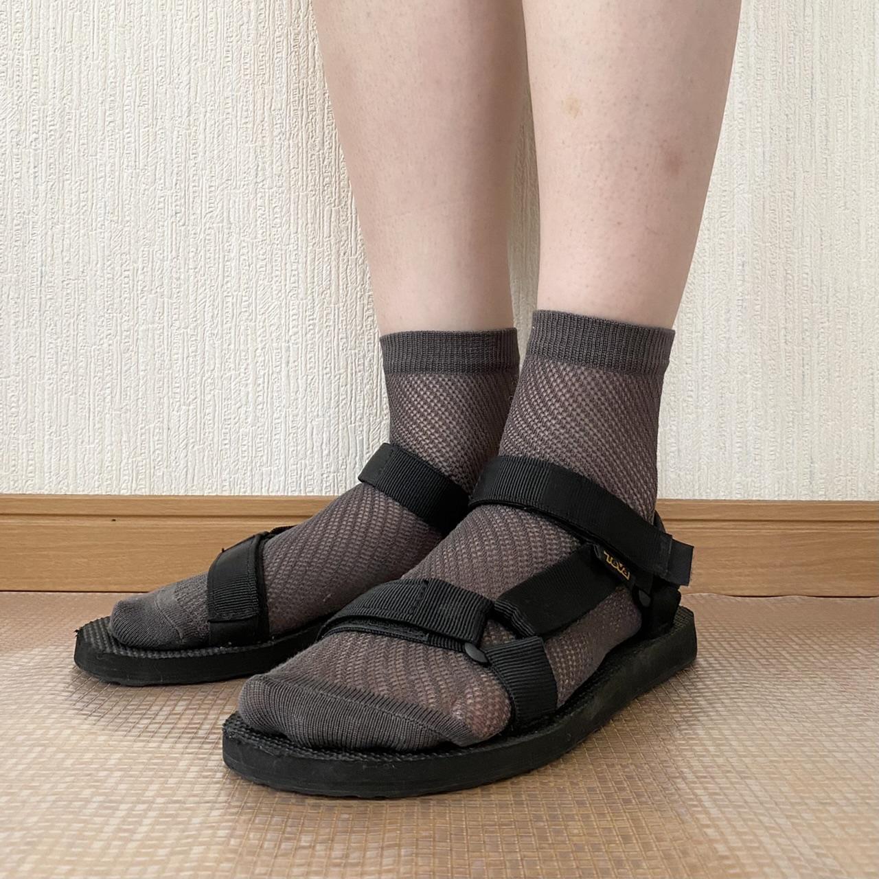 スポサン×ベーシックカラーのメッシュ靴下