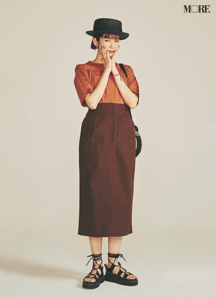 【帽子コーデ】黒のハット×八分丈ロングタイトスカート