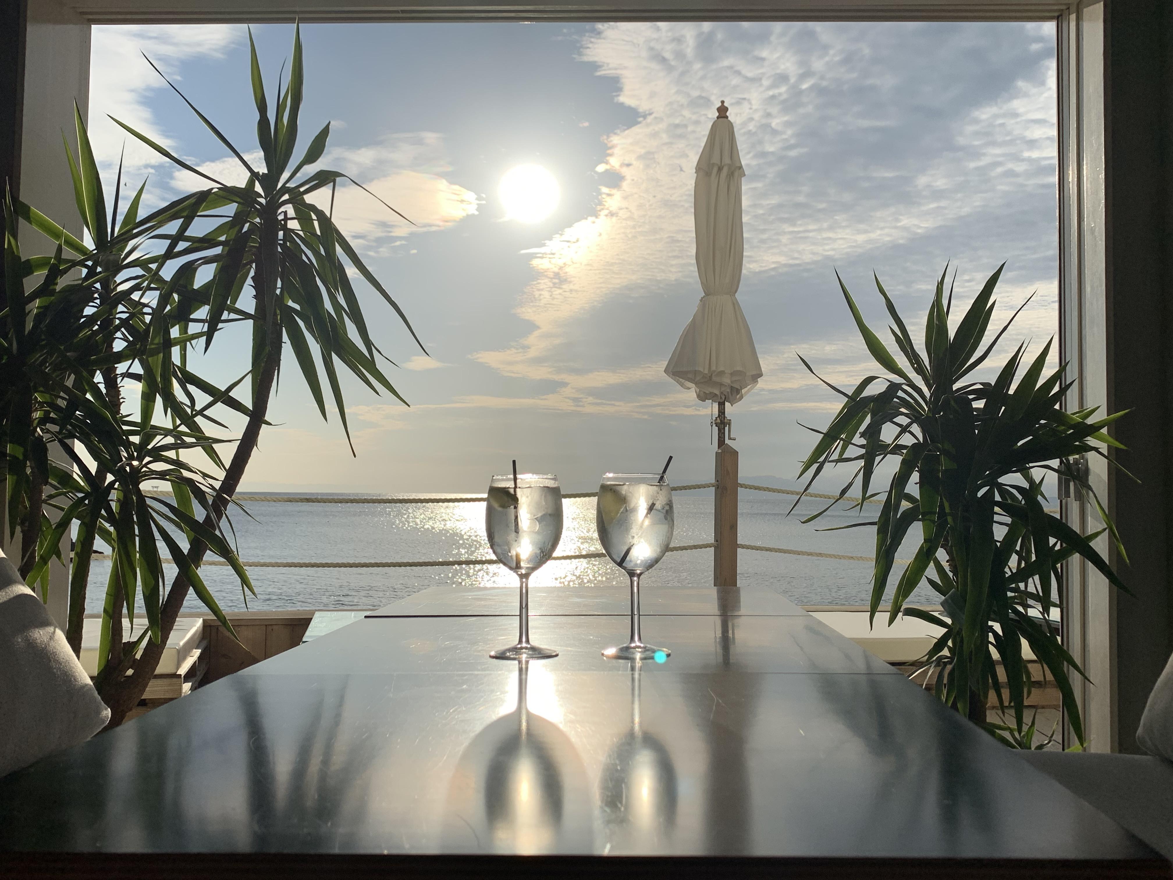 【女子旅】ソファでゆったりと海を眺められるカフェ♡_1