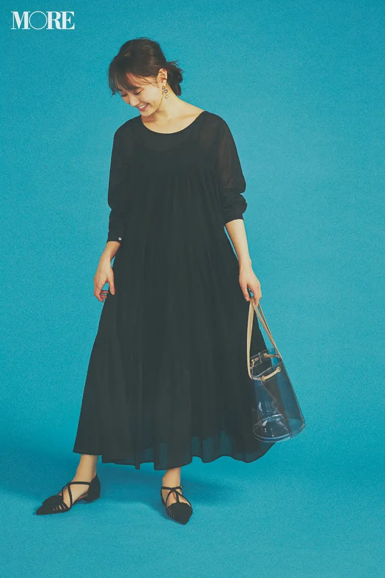 【ティアードワンピースコーデ】ティアードのブラックドレスで大人コーデ