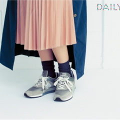 スタイリストやメーカープレスに直撃取材!【ふくらはぎが細く見えるソックスの履き方、教えてください!】