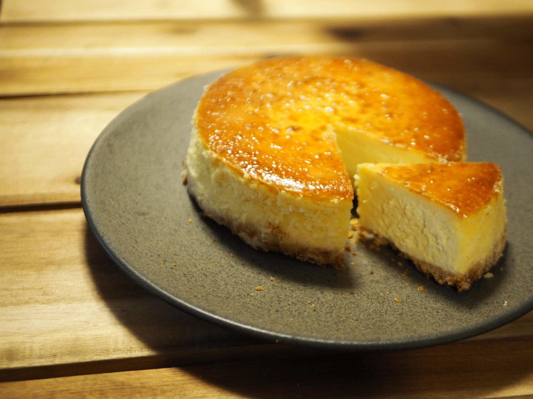 材料混ぜて焼くだけ!本格的な味わい♡【手作りベイクドチーズケーキ】のおすすめレシピ♡_7