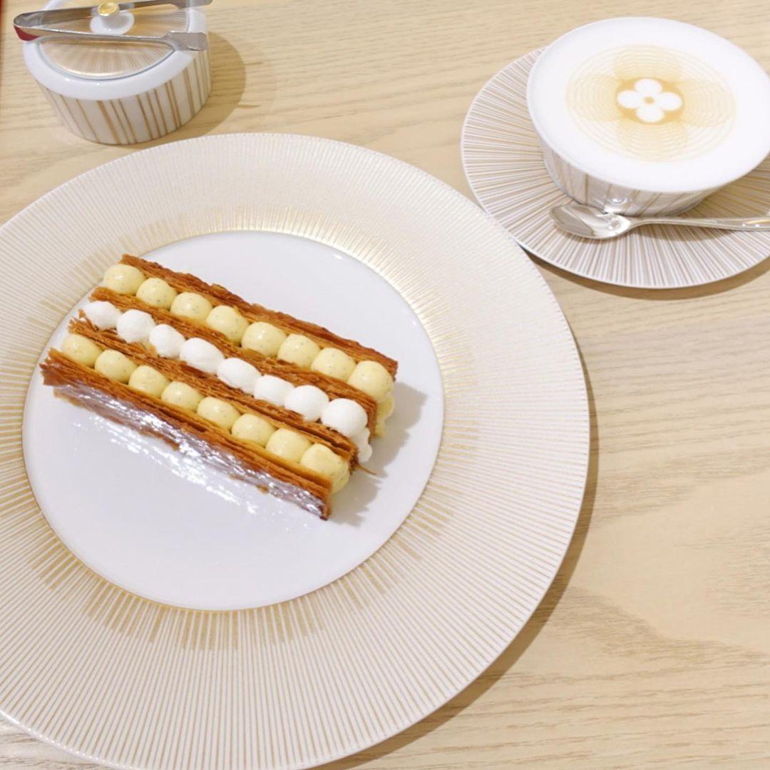 大阪のおしゃれカフェ『LE CAFE V』のおすすめメニュー「ミルフィーユ」