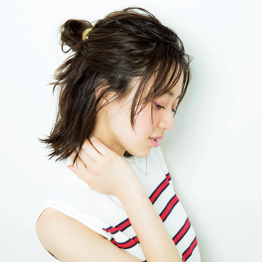 次くるヘアアレンジ5つのHOT TIPS♡『女っぽだんごは後れ毛で彩る♡』_1